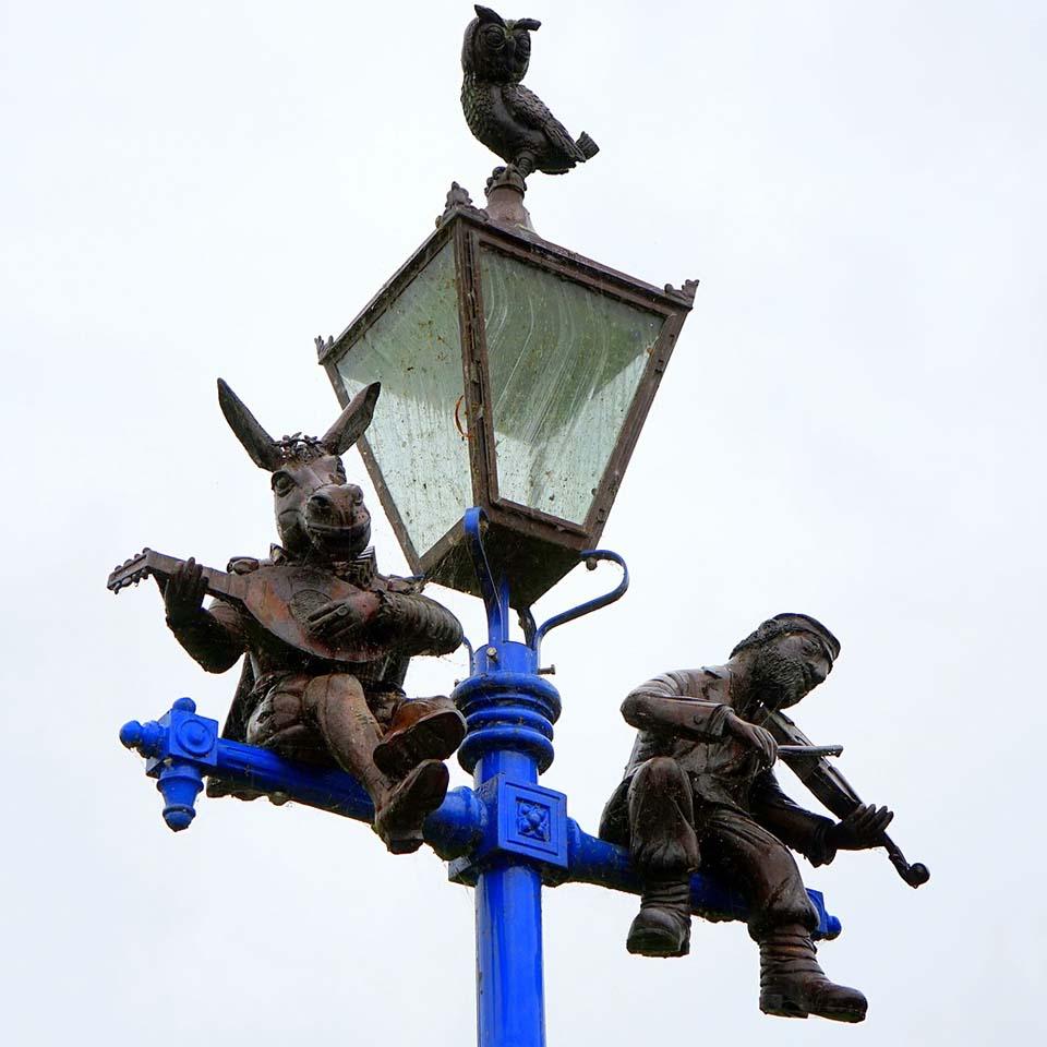Shakespeare lamppost